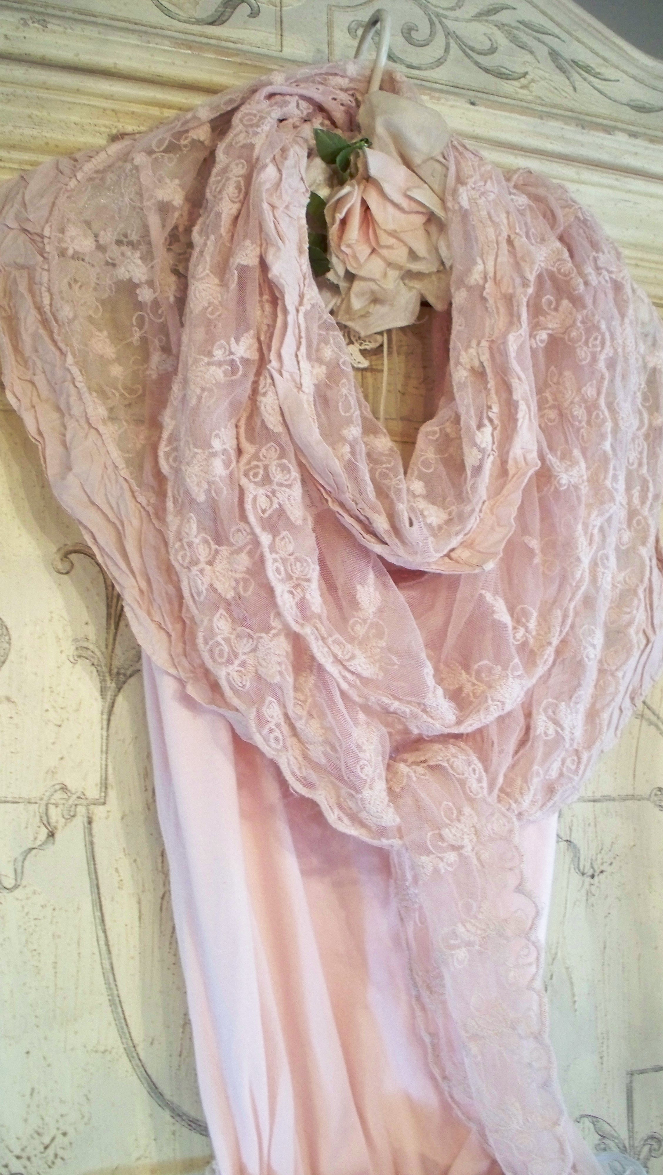 Jeanne d'Arc Living Lagenlook/Lace Scarf Fleur de Lis Powder Rose Color