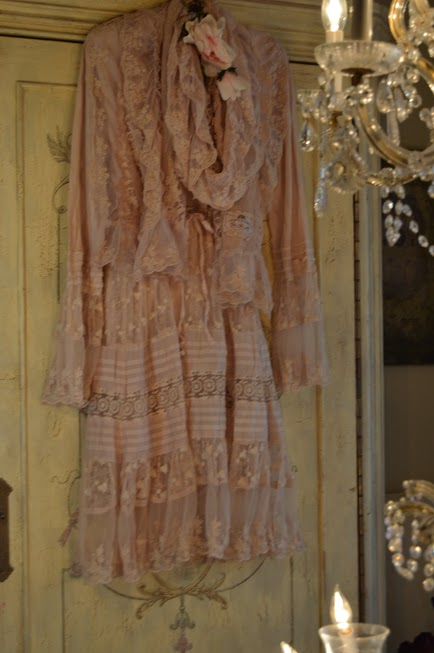 Jeanne d'Arc Living Rose Lace Dress & Scarf