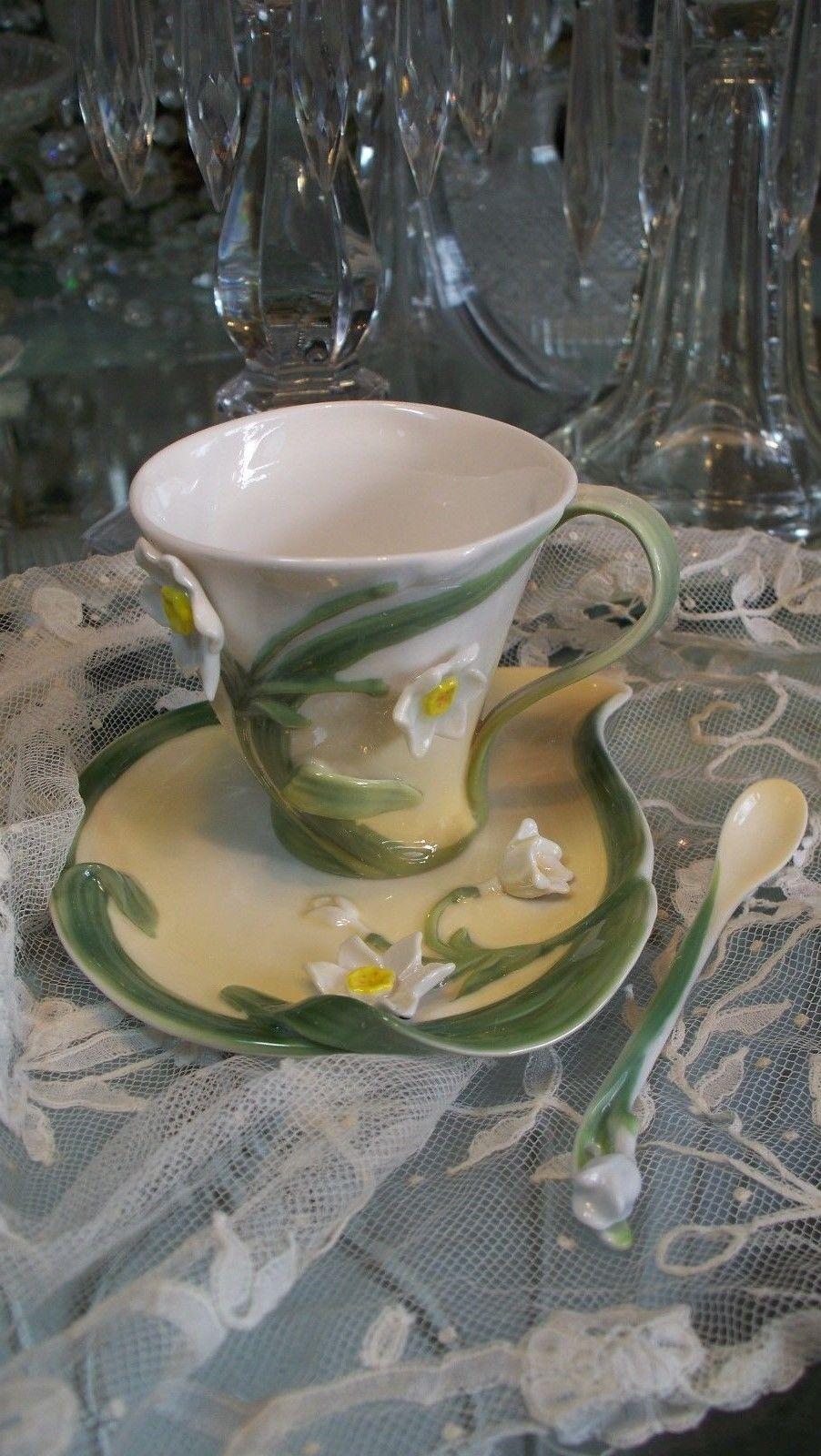 Lovely Garden Narcissus Flower Tea Set