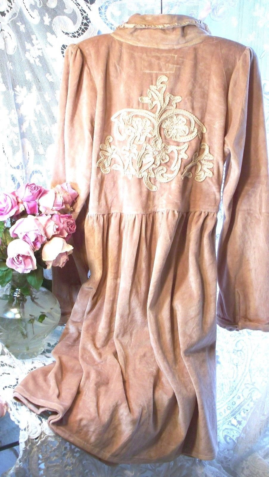 Jeanne d'Arc Living Fleur de Lis Powder Rose Velour Jacket 3 Left