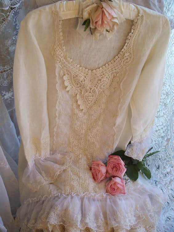 Creme de la Creme Linen/Lace Top by Jeanne d'Arc Living